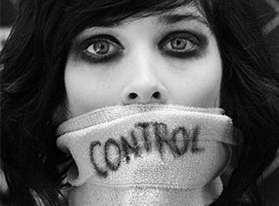 Η σιωπή μας στερεί ένα κομμάτι Ελευθερίας