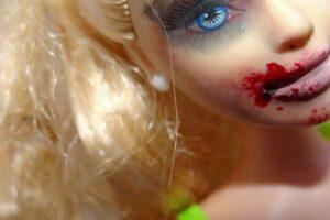 Απαίδευτοι άντρες σημαίνει γυναικείο αίμα
